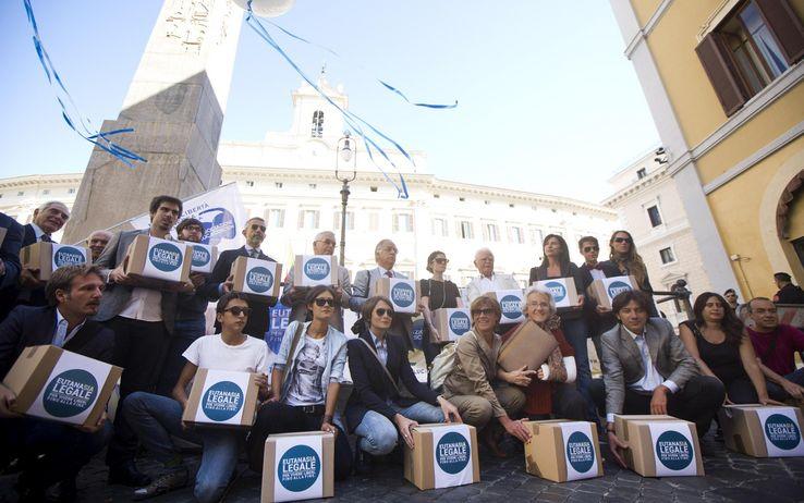 4 anni fa 67.000 cittadini proposero insieme la legalizzazione dell'eutanasia