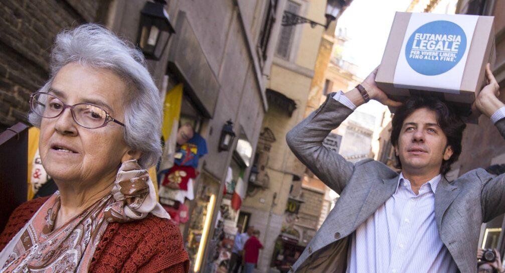 Suicidio assistito: la procura di Massa ha fatto ricorso contro l'assoluzione di Marco Cappato e Mina Welby